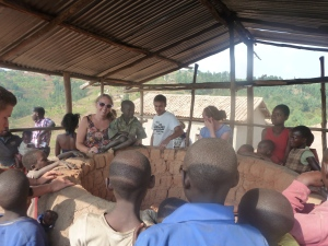 Visiting the pottery Community in Muhanga