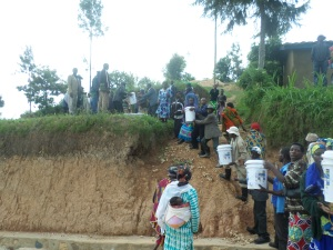 The community serving the Community - Chain distribution of water filters